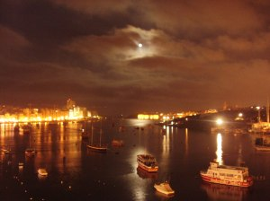 Moonrise at Strand-Malta. Evening musings