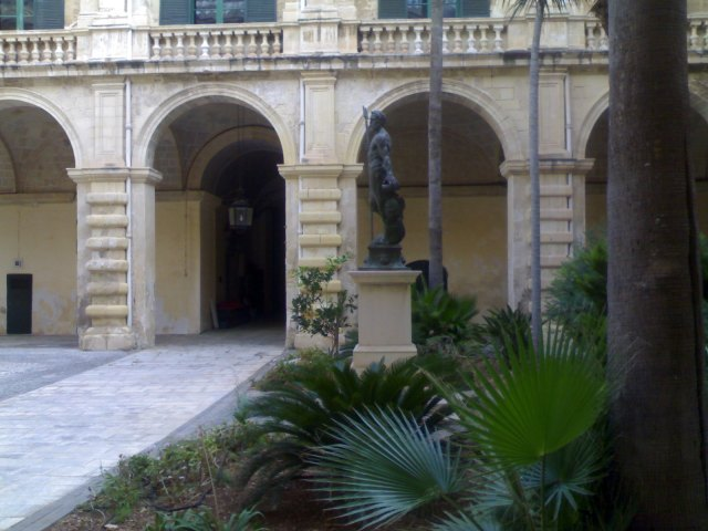 palace-armory